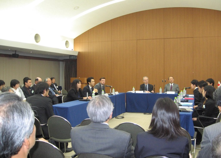 "【Round Table Discussion】""President Obama's Visit: Japan's Youth Discusses the Future of Japan-U.S. Relations"""